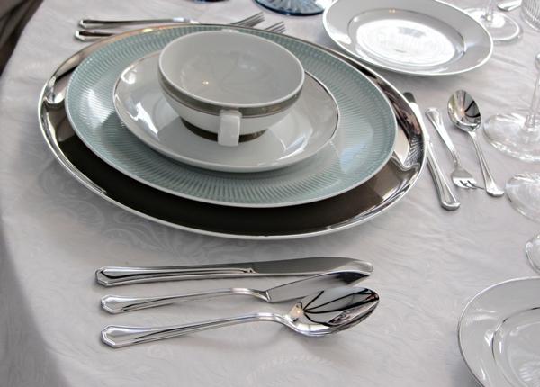Protocolo en la mesa crazy mary for Orden de los cubiertos en la mesa