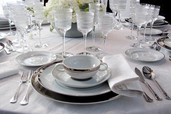 Presentaci n de una mesa crazy mary for Colocacion de los cubiertos en una mesa