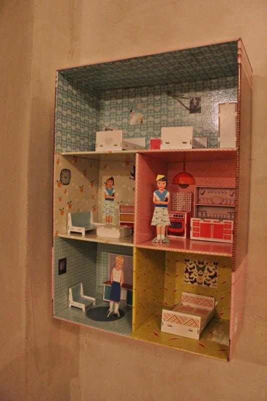casa-muñecas-devan-y-cabinet
