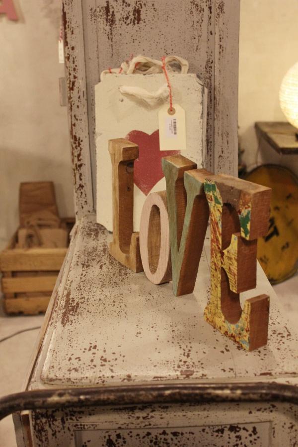 19-love-letras-madera