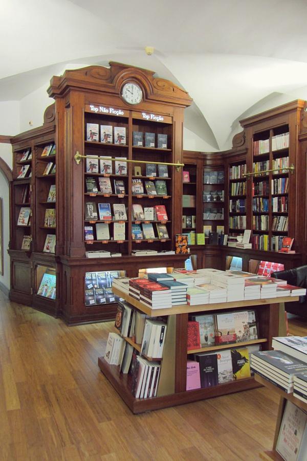 Libreria-mas-antigua-de-Lisboa